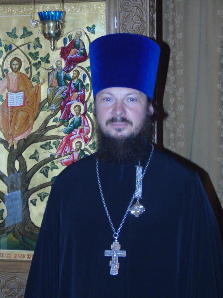 Священник храма: иерей Алексий Дахин